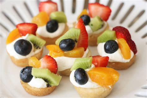 fruit pizza mini fruit pizzas recipe dishmaps