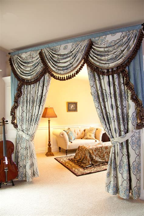 Persian Dance Swags And Tails Valance Curtain Set