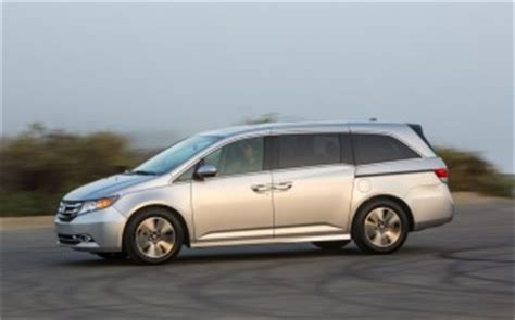 2016 honda odyssey vs. 2016 nissan quest: compare cars
