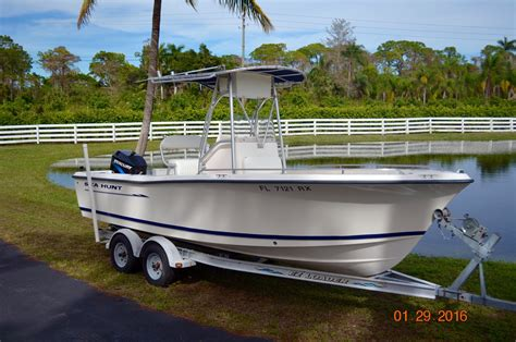 used sea hunt triton boats for sale 2004 used sea hunt 212 triton cc center console fishing