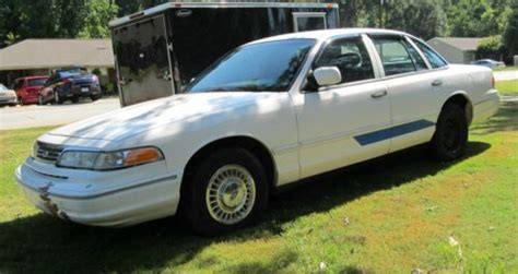 how cars run 1997 ford crown victoria auto manual buy used 1997 ford crown victoria low mileage runs great everything works v 8 auto trans in