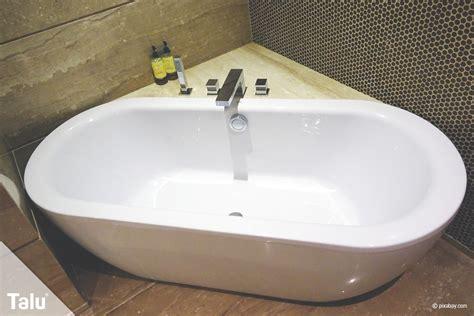 kleinste badewanne badewanne eckbadewanne ma 223 e und normgr 246 223 en nach din