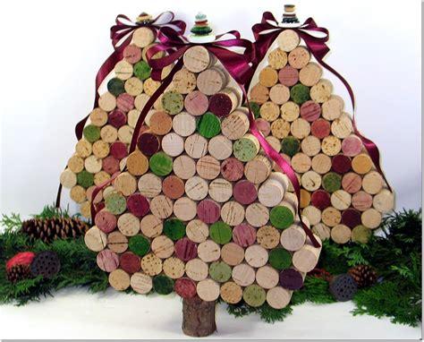 rbol de navidad con tapones de corcho arboles de navidad hechos con corcho curiosas ideas