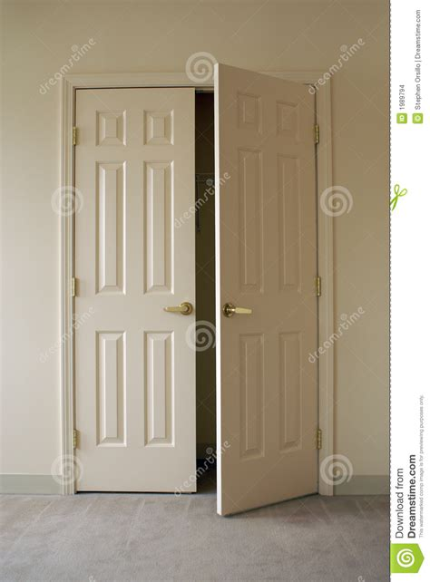 Closet Door Opening by Opening Closet Doors Stock Images Image 1989794