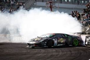 this lamborghini vs lexus lfa supercar drift battle is real