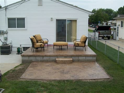 how to build a pergola on concrete building a pergola on an existing concrete patio icamblog