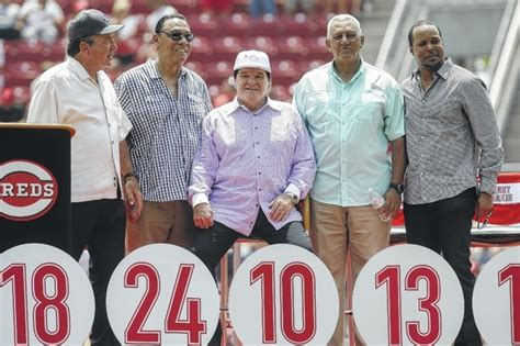 johnny bench and pete rose pete rose added to reds hall of fame the record herald
