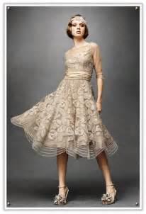 Scalloped 1920s vintage style flapper wedding dress