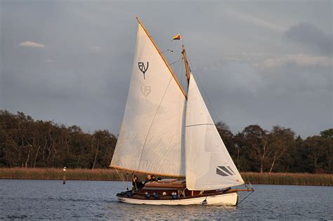 sailing dinghy hire norfolk broads norfolk broads boat hire choosing a boat