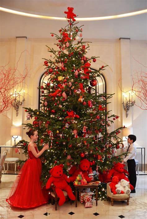 christmas  hotel plaza athenee paris france       christmas elegant christmas