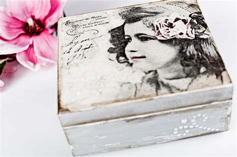 Decoupage Photographs - decoupage tutorial box with pearls