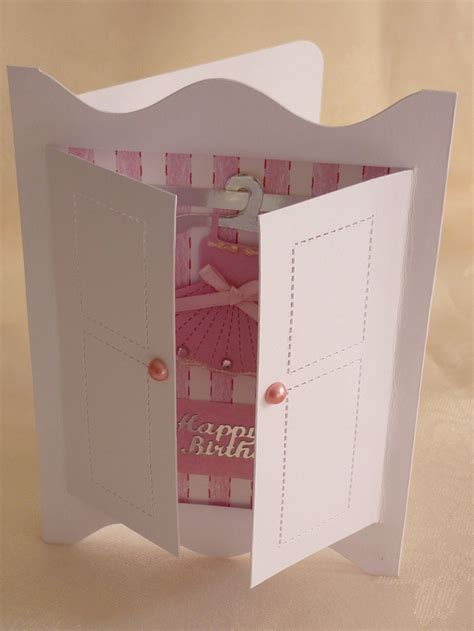 kleiderschrank tapezieren what makes a great card mementoes in time