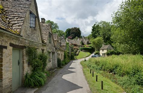 Cotswalds Cottages by File Bibury Cottages In The Cotswolds June 2007 Jpg