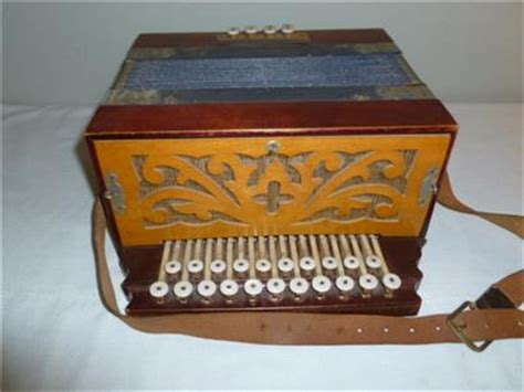 Diskon Brixies Beaver Made In Germany antique beaver brand accordion button box concertina made