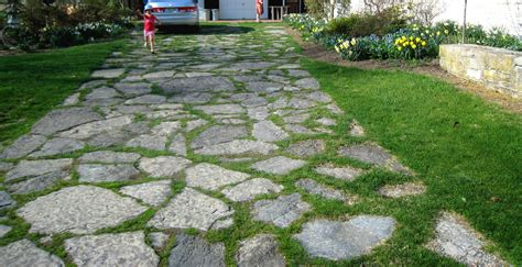 Home Exterior Design Brick And Stone by Flagstone Driveways Stone Pavers On Grass Stone And Grass