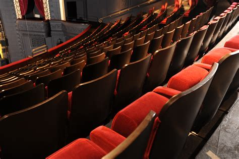 Costco Stadium Chair by Ambassador Traditionally Styled Theatre Chairs Evertaut