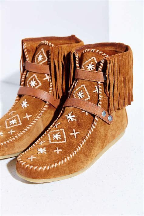 Fringe Moccasins best 25 moccasin boots ideas on fringe