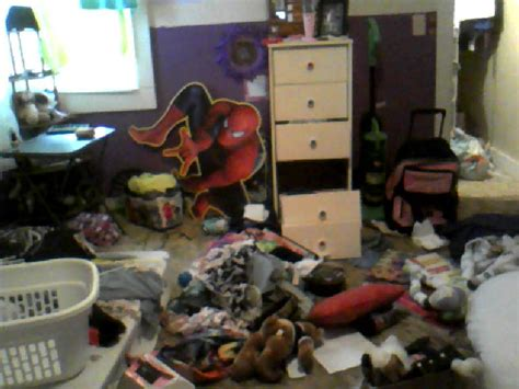 my messy bedroom my messy room by chappygirl101 on deviantart