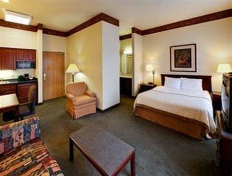 rooms direct bloomington il guest room with one bed picture of hawthorn suites by wyndham bloomington bloomington