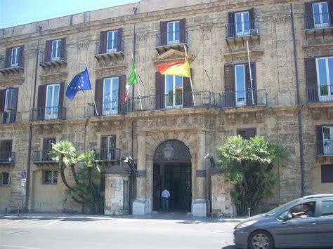 regione sicilia sede sindacati forestali minacciano di occupare sala di