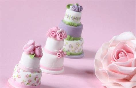 Mehrst Ckige Hochzeitstorte by Hochzeitstisch Dekorieren Originelle Tischdeko Ideen