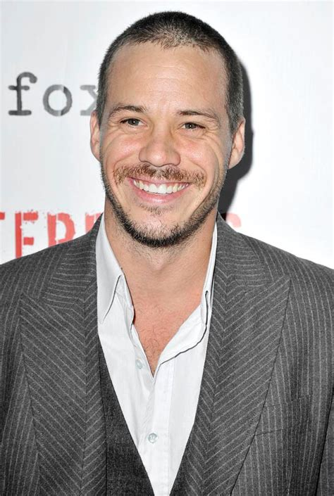 michael raymond james terriers michael raymond james picture 1 the premiere of terriers