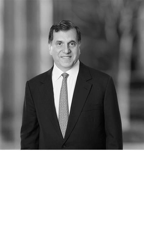 Michael Kendall   White & Case LLP International Law Firm