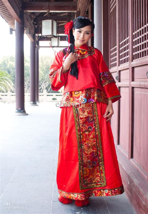 Chinese Traditional Qipao and Qungua Bridal Dresses