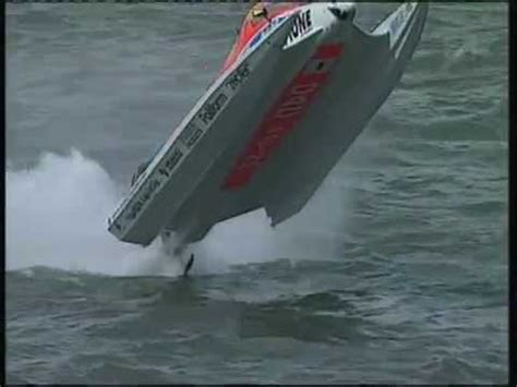 cigarette boat racing flip f1 boat 360 degrees backwards flip and continues racing