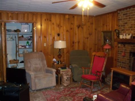 Home Decorating Dilemmas Knotty Pine Kitchen Cabinets by Home Decorating Dilemmas Knotty Pine Kitchen Cabinets