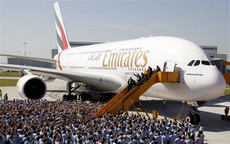 emirates scraps class and shrinks business class to carry maximum number of passengers