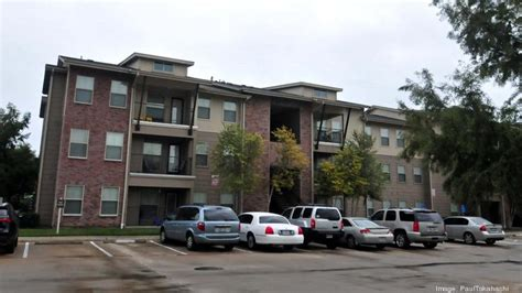 Apartment Complex On In Houston Avenue Terrace A Mixed Income Apartment Complex Built By