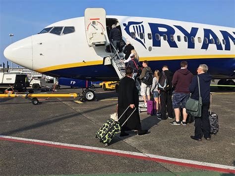 cabin baggage ryanair ryanair luggage cabin baggage allowance for all