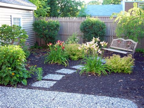 small backyard no grass best 25 no grass backyard ideas on pinterest shady backyard ideas small garden no