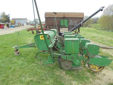 Deere 4 Row Corn Planter by Deere 1240 4 Row Corn Planter