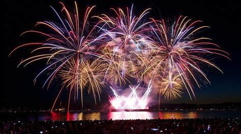disney wins 2016 honda celebration of light fireworks the honda celebration of light from the inukshuk