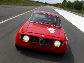 Alfa Romeo Gta 1300 Junior Alfa Romeo Gta 1300 Junior Corsa Wallpapers Cool Cars