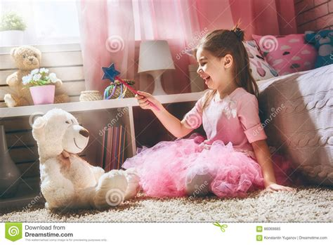 Who Played Teddy On House by Plays With Magic Wand Stock Photo Image 86069885