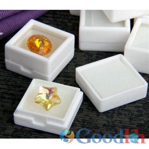 Kotak Cincinakik Untuk 10 Biji Beli 3 Gratis 1 kotak permata 3x3 putih