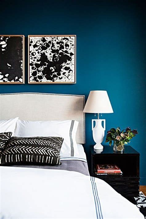 blue bedroom walls best 25 peacock blue bedroom ideas on blue