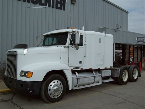 Freightliner 84 Inch Sleeper For Sale by Freightliner Classic Xl