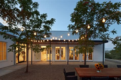 outdoor string lighting ideas Patio Farmhouse with