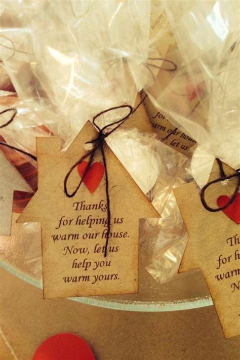 housewarming wedding gift idea 25 best ideas about housewarming party favors on