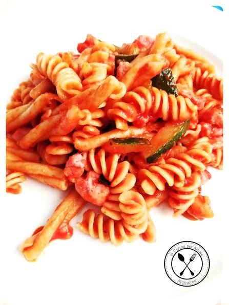 come cucinare la pasta integrale pasta integrale con sugo di pancetta e zucchine in