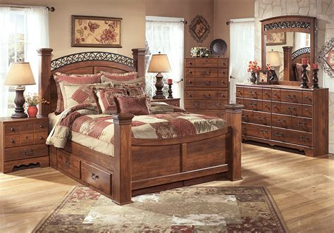 queen poster bedroom sets timberline queen poster storage bedroom set lexington