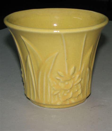 Mccoy Vase Value 25 Best Ideas About Mccoy Pottery Vases On Pinterest