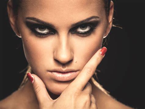 Ee  Tips Ee   And Tricks Of Under  Ee  Eye Ee    Ee  Makeup Ee