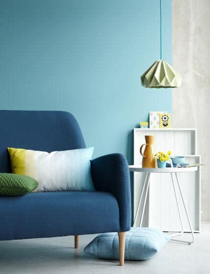 Wohnzimmer Wand Grau 4343 einrichten mit blau tipps m 246 bel und accesssoires