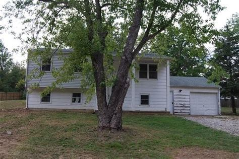 5151 n douglas dr columbia missouri 65202 foreclosed