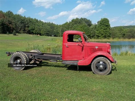 1935 ford 1 1 2 ton truck